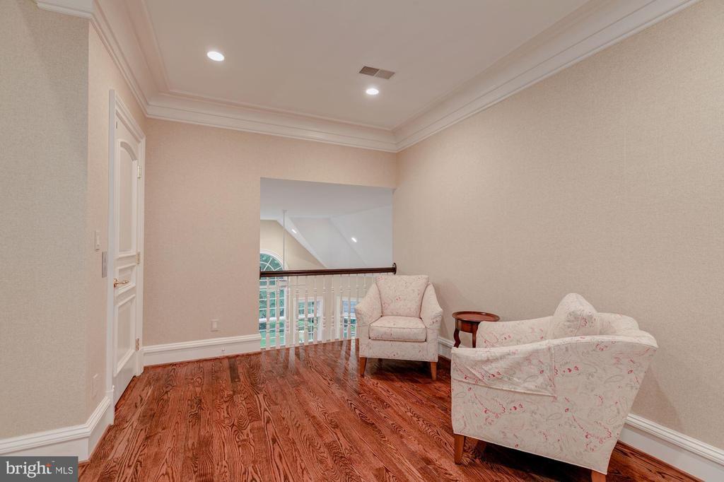 Office open to Family Room below - 916 MACKALL AVE, MCLEAN