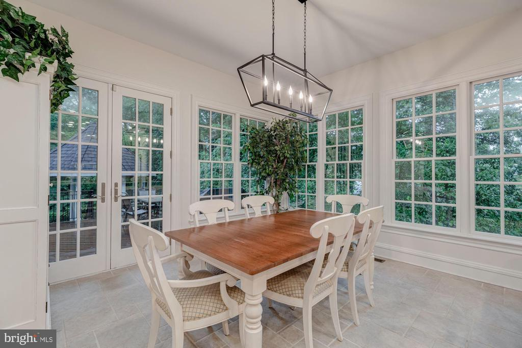 Breakfast Room - 916 MACKALL AVE, MCLEAN