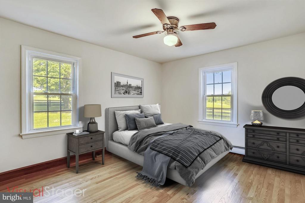 MAIN LEVEL BEDROOM STAGED - 39085 IRISH CORNER RD, LOVETTSVILLE