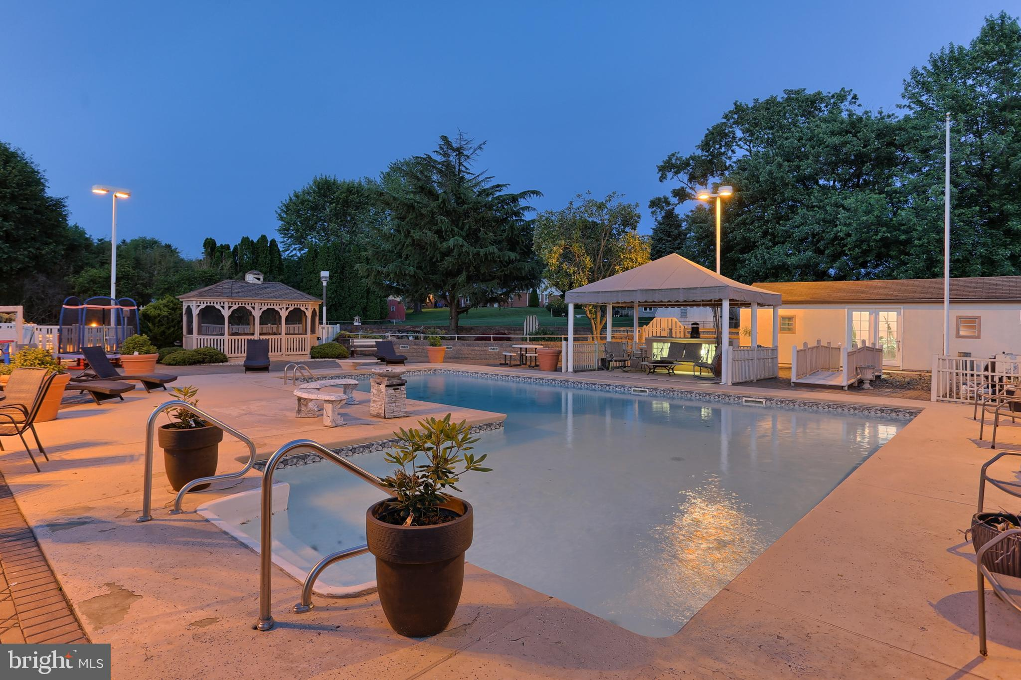 34' x 44' in ground swimming pool
