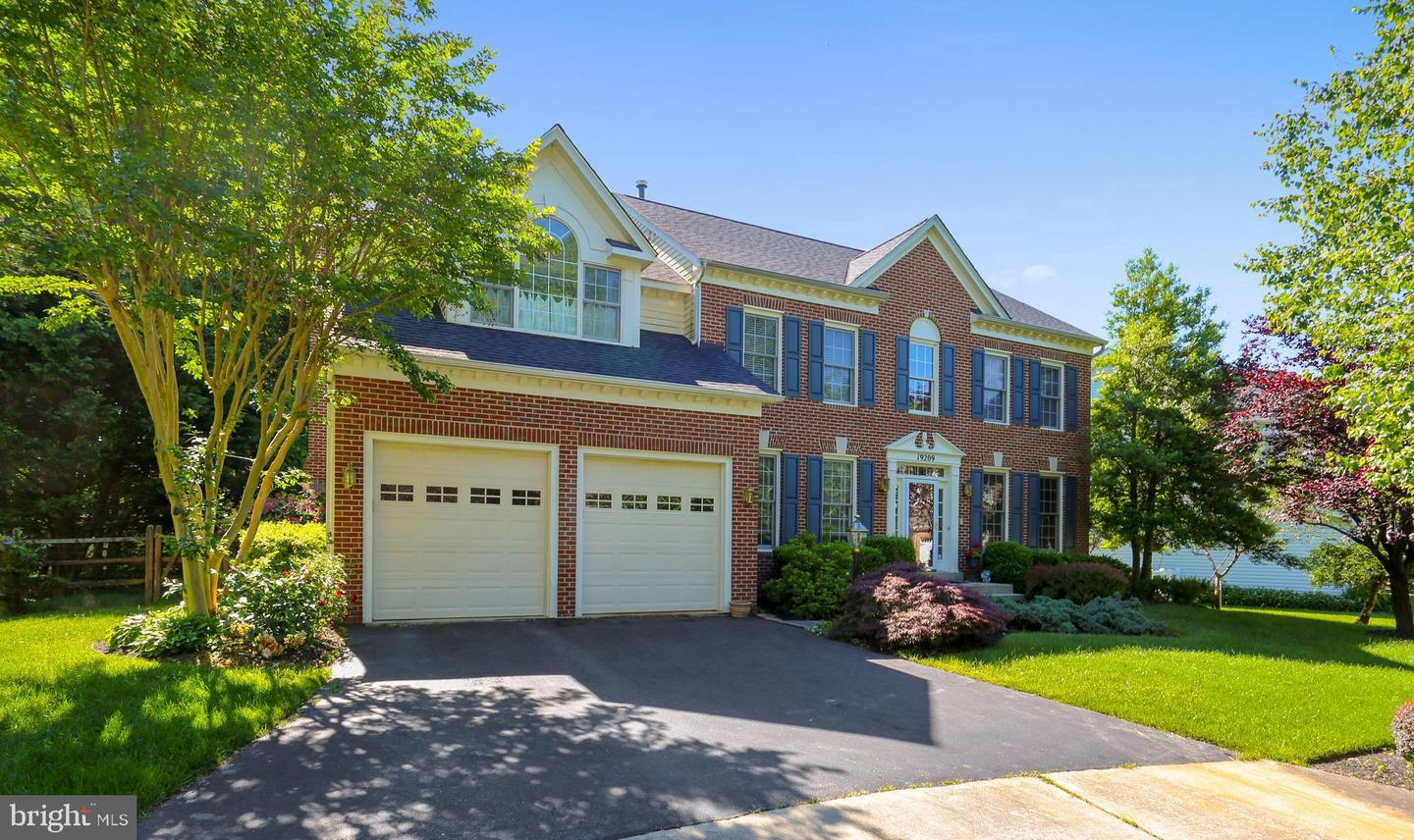 Single Family for Sale at 19209 Honeystone Pl Brookeville, Maryland 20833 United States