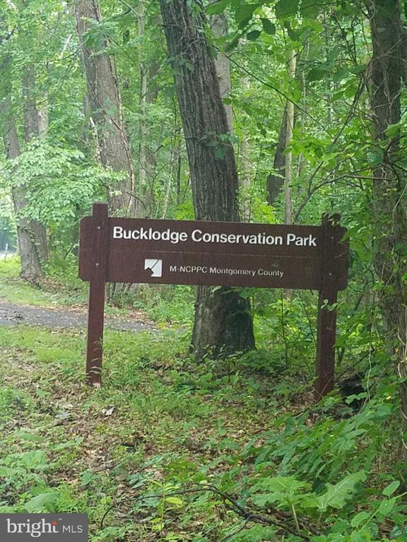 - 23115 PEACH TREE RD, CLARKSBURG