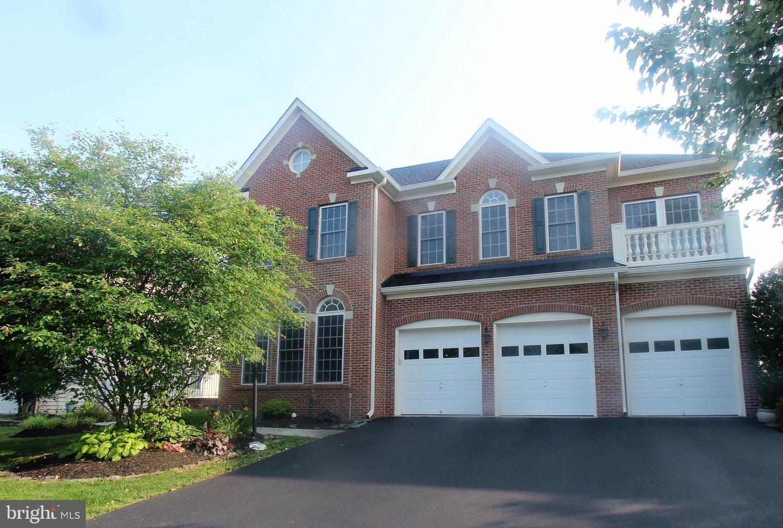 Single Family for Sale at 41885 Feldspar Pl N Aldie, Virginia 20105 United States