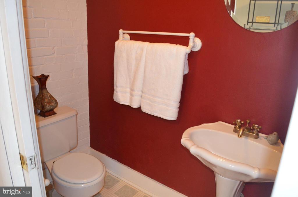 Half bath on main level - 235 W 5TH ST, FREDERICK