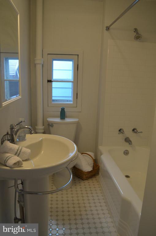 Full bath upstairs updated 2014 - 235 W 5TH ST, FREDERICK