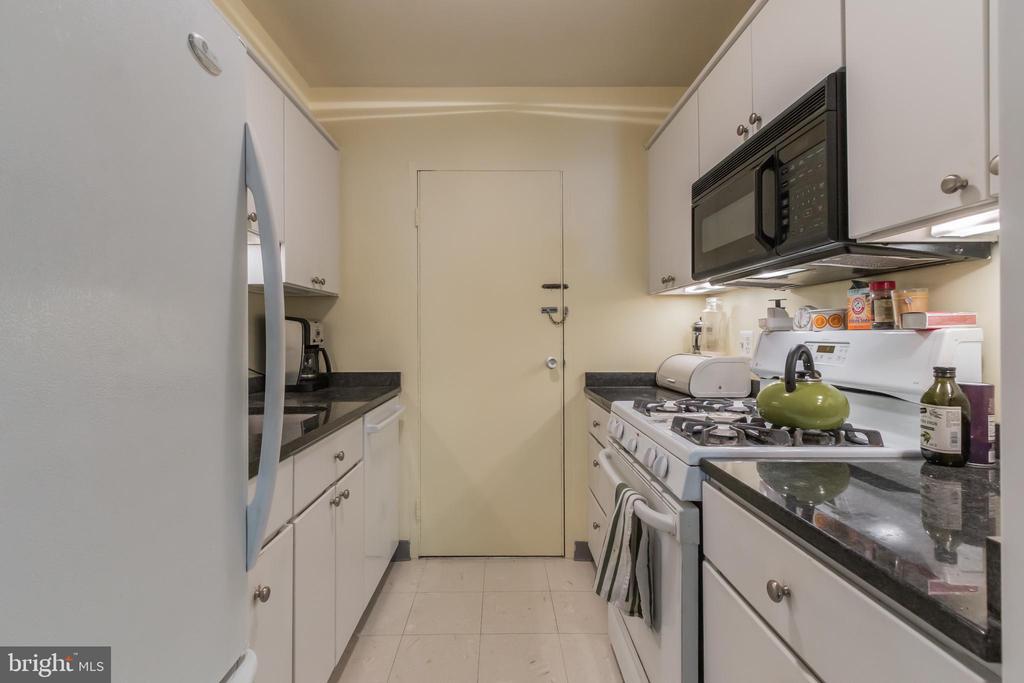 Renovated kitchen - 5406 CONNECTICUT AVE NW #401, WASHINGTON