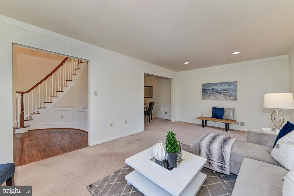 Living room with view into foyer and dining room - 2035 PIERIS CT, VIENNA