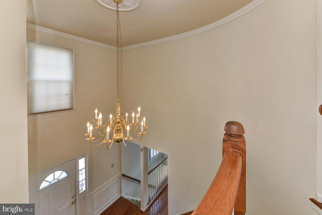 View from upstairs down to foyer - 2035 PIERIS CT, VIENNA