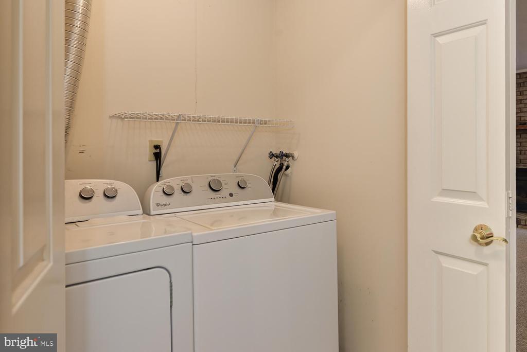 Laundry - 2035 PIERIS CT, VIENNA