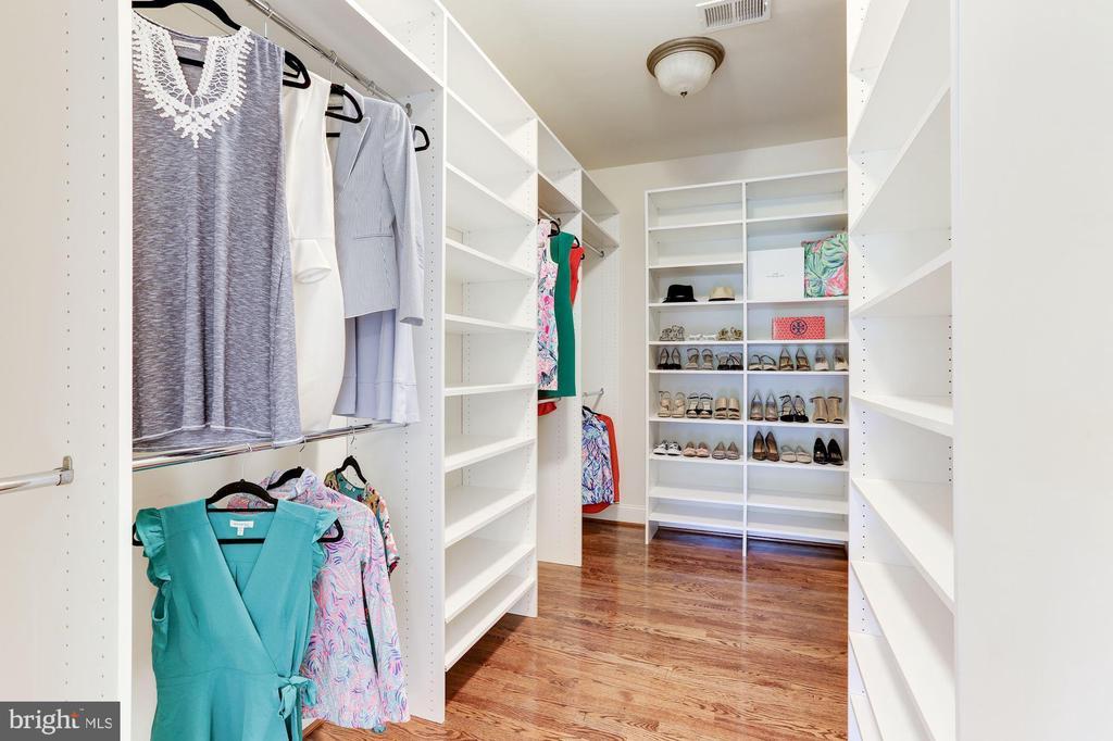 Owner's Closet with Custom Closet Organizers - 16323 HUNTER PL, LEESBURG