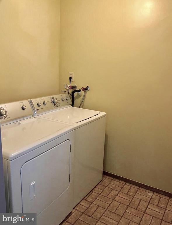 In-Unit Washer/Dryer - 8173 WILLOWDALE CT, SPRINGFIELD