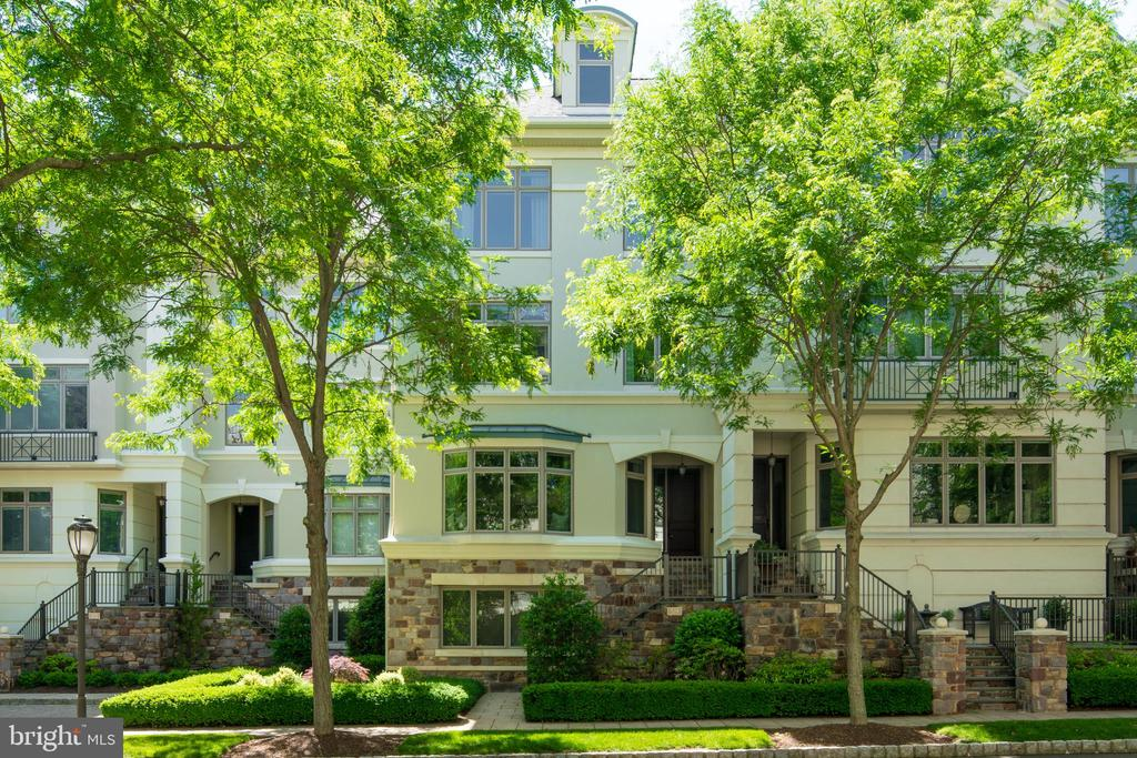 519  WATERVIEW PLACE, one of homes for sale in New Hope