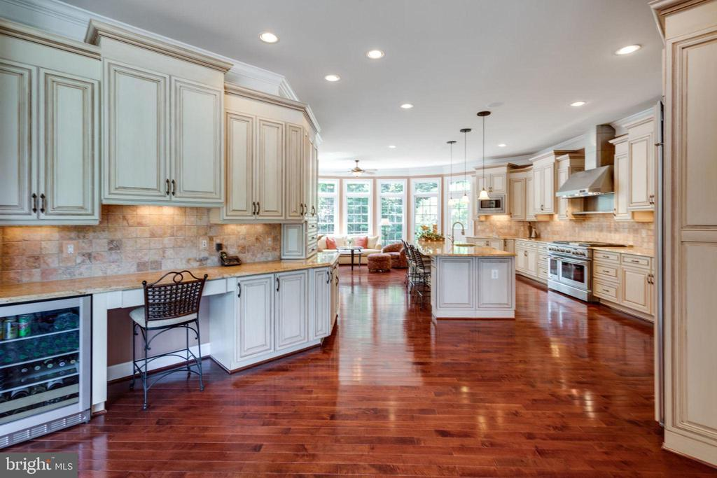 Dream Kitchen! - 40947 GRENATA PRESERVE PL, LEESBURG
