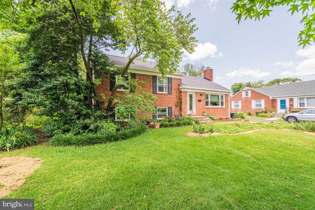 Exterior Front - 6106 CLEARBROOK DR, SPRINGFIELD