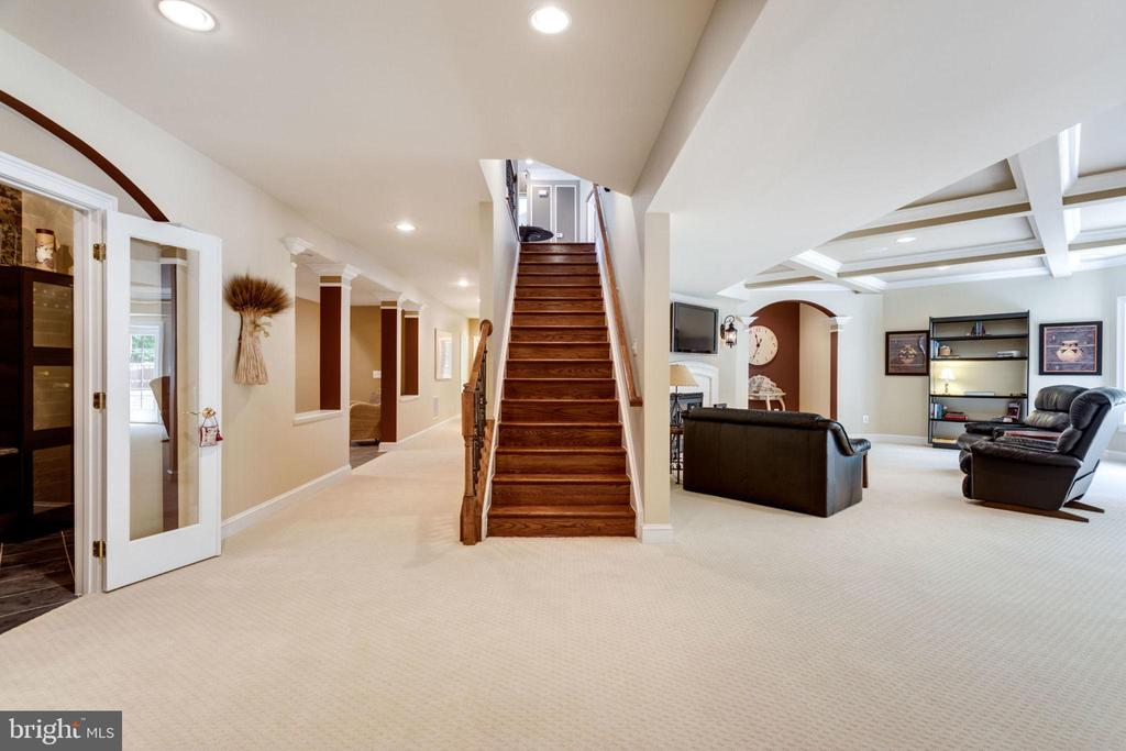 Hardwood Stairway leads to Lower Level - 40947 GRENATA PRESERVE PL, LEESBURG