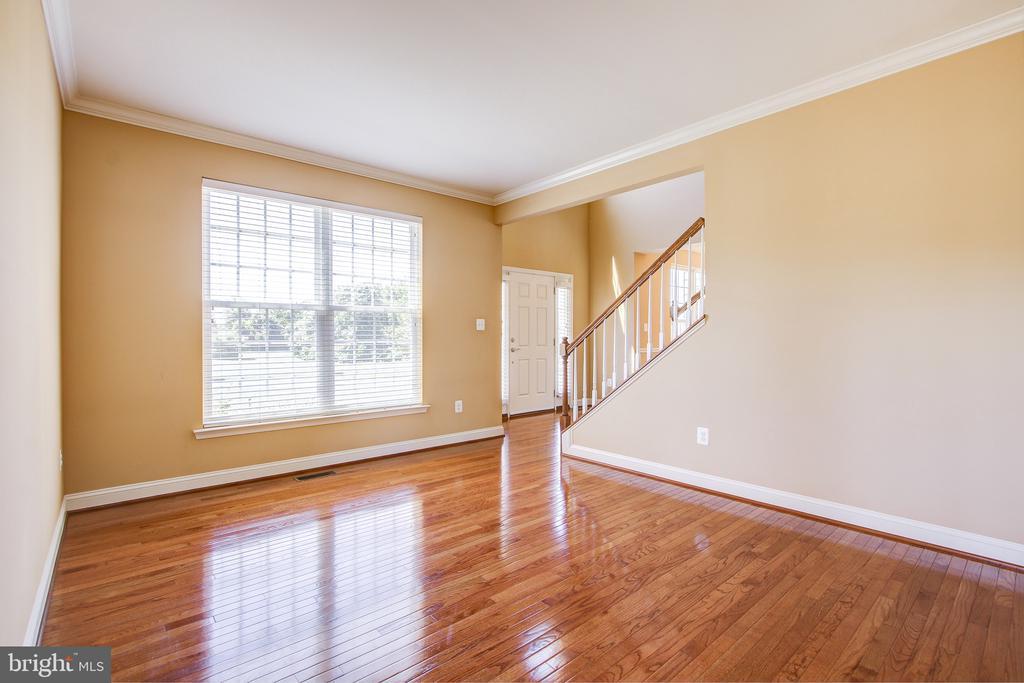 Formal Living Room - 15530 GERMANTOWN RD, GERMANTOWN