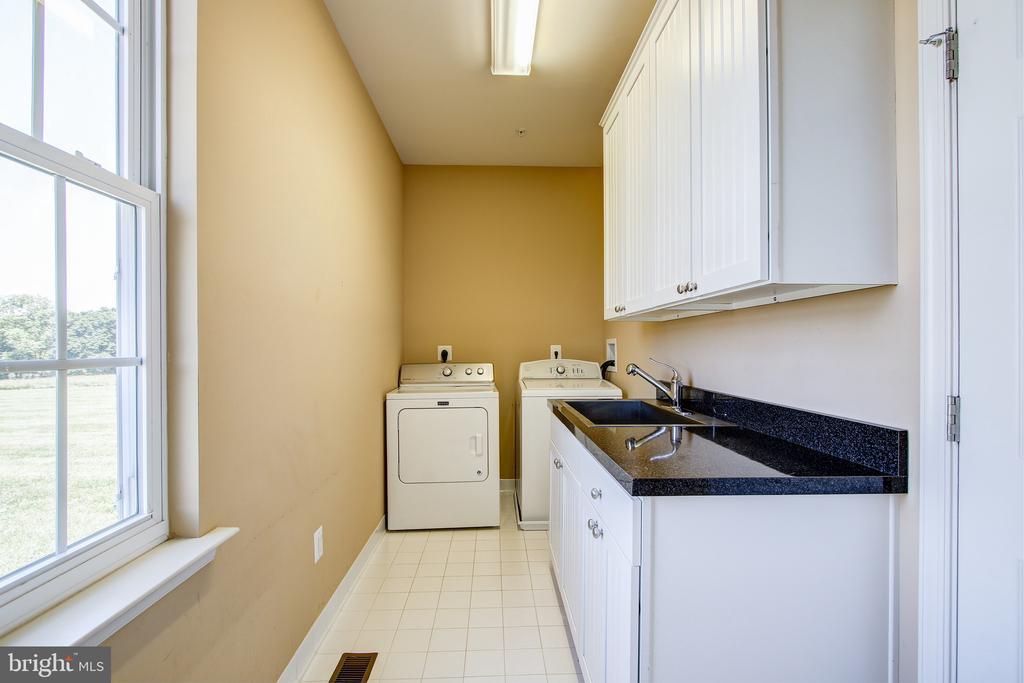 Main Level Laundry Room - 15530 GERMANTOWN RD, GERMANTOWN