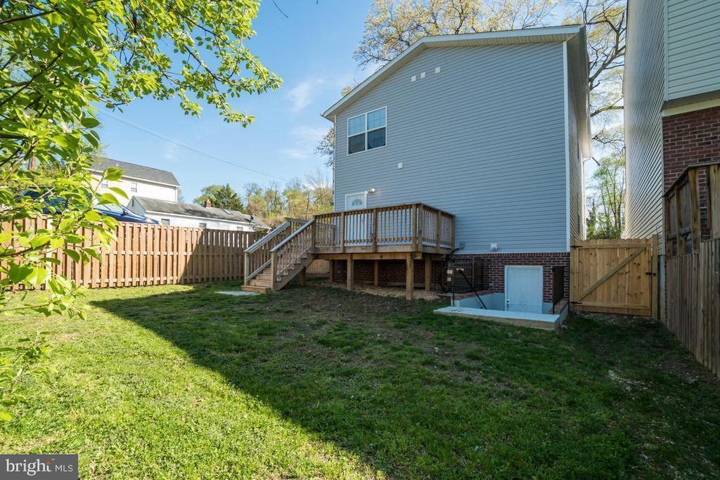 Fenced Back Yard and Deck - 5356 E ST SE, WASHINGTON