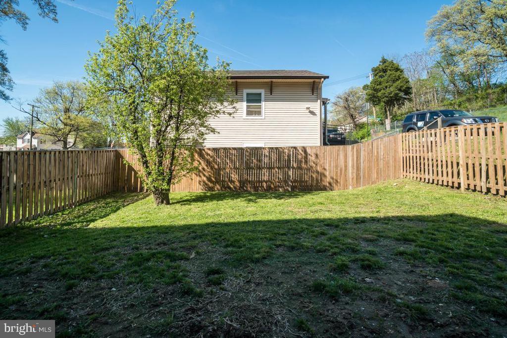 Fenced Back Yard - 5356 E ST SE, WASHINGTON
