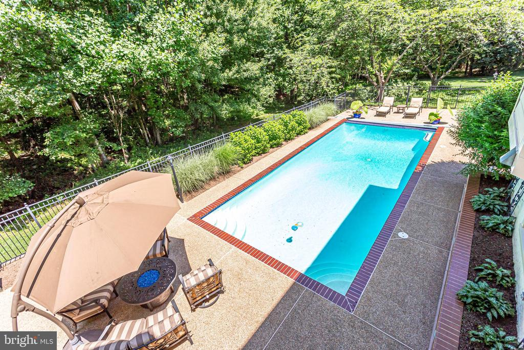 Incredible privacy & view from upper level - 1298 STAMFORD WAY, RESTON