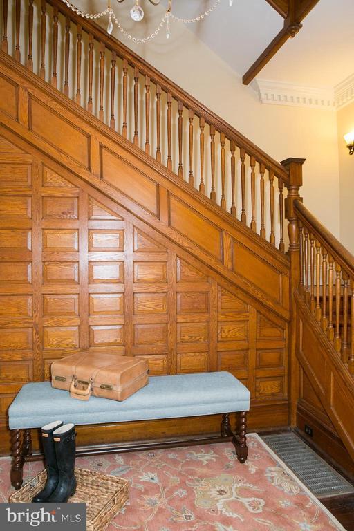 Main staircase - made of rare American chestnut - 3521 BUCKEYSTOWN PIKE, BUCKEYSTOWN