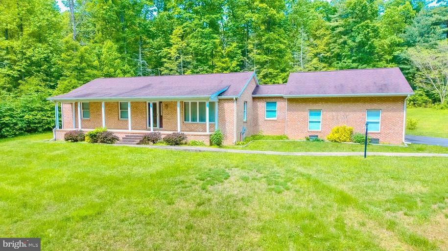Single Family for Sale at 4300 Sir Johns Vly Berkeley Springs, West Virginia 25411 United States