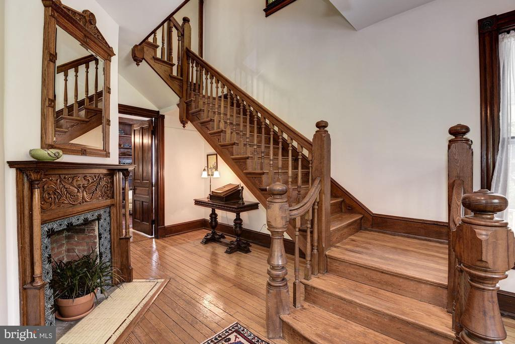 Front stairway to upper levels - 11019 KENILWORTH AVE, GARRETT PARK