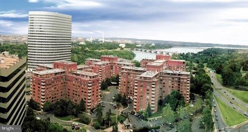 Overview of River Place buildings - 1121 ARLINGTON BLVD #405, ARLINGTON