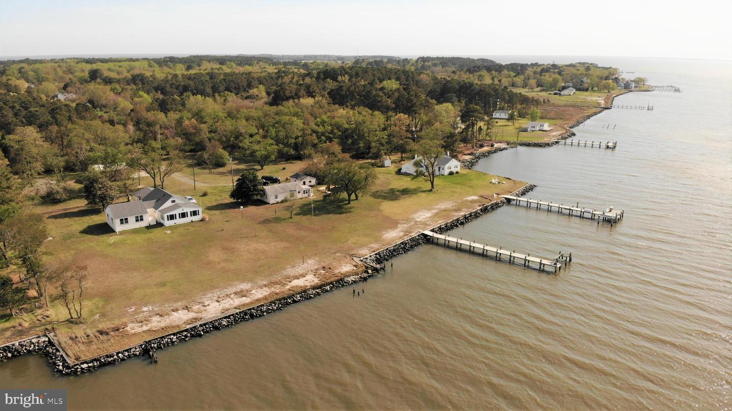 Single Family Homes pour l Vente à Deal Island, Maryland 21821 États-Unis