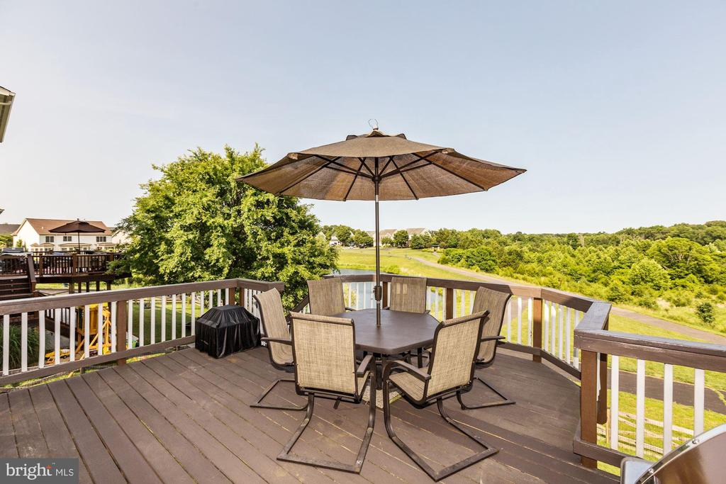Large deck to enjoy the sunset from - 8823 BARN OWL CT, GAINESVILLE