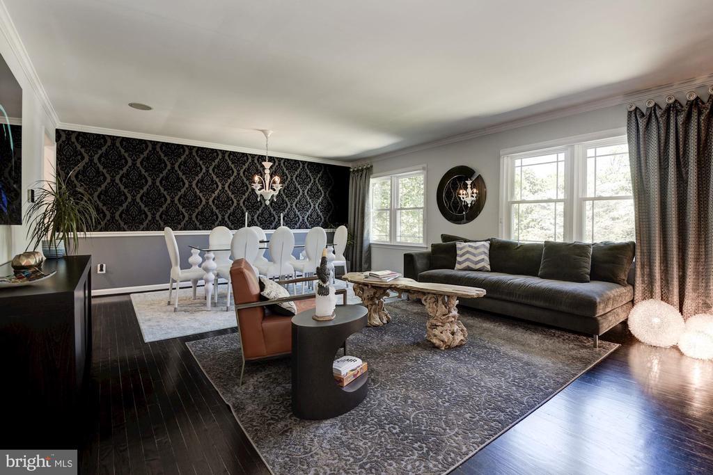 Large Living/Dining Room - 905 N HOWARD ST, ALEXANDRIA