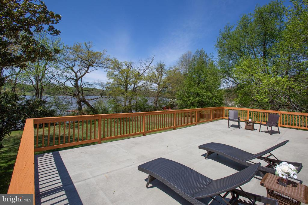 Gorgeous Views - 21 AQUIA CREST LN, STAFFORD