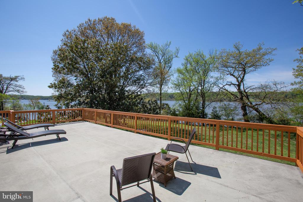 Bathe in the sun overlooking the water... - 21 AQUIA CREST LN, STAFFORD