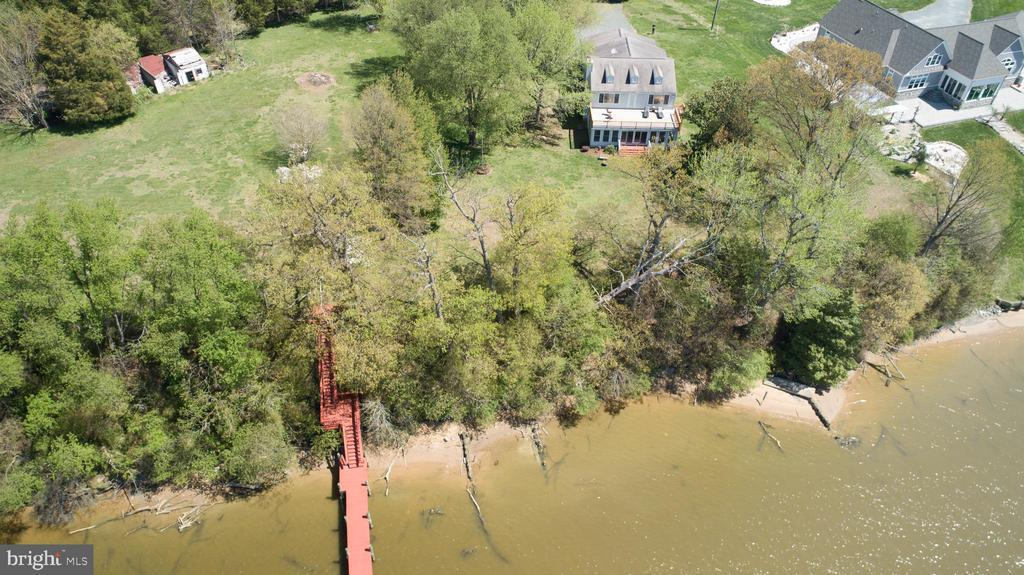 Waterfront Property with Fantastic Dock - 21 AQUIA CREST LN, STAFFORD