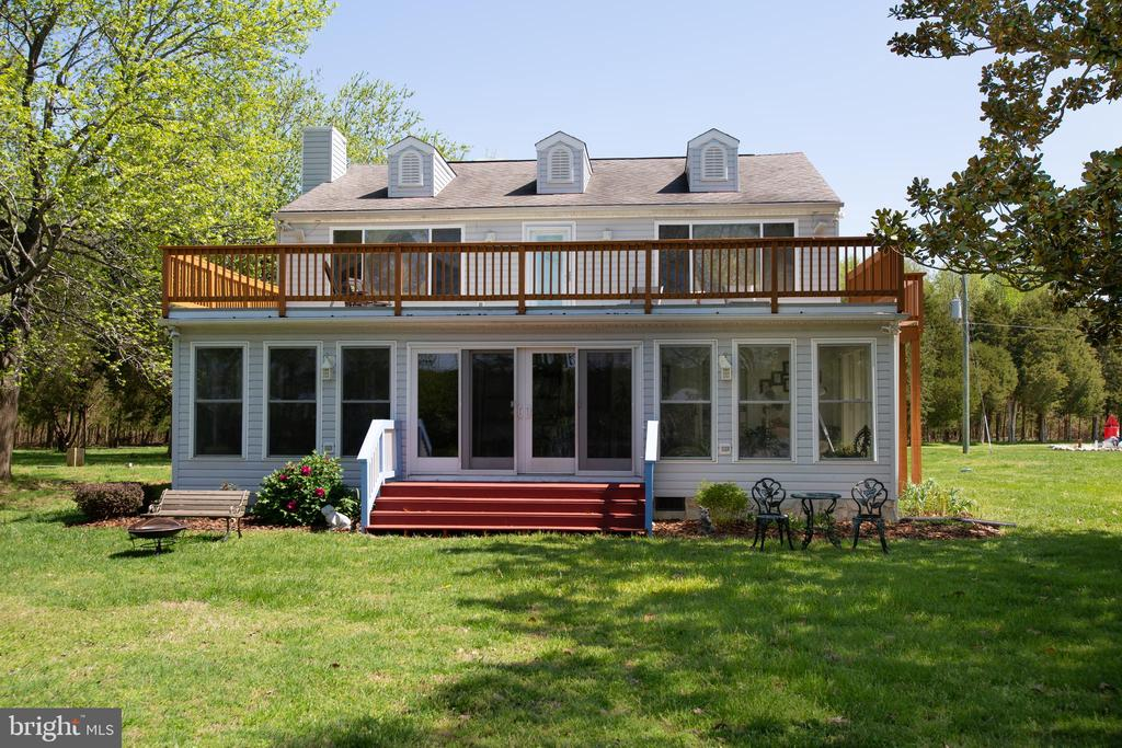 Quaint Peaceful Home on the Waterfront - 21 AQUIA CREST LN, STAFFORD