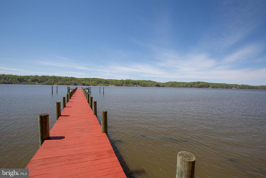 Navigable Water where Aquia Creek meets Potomac! - 21 AQUIA CREST LN, STAFFORD