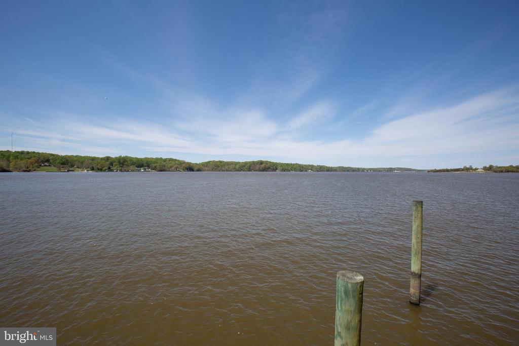 The open water is yours to navigate.... - 21 AQUIA CREST LN, STAFFORD