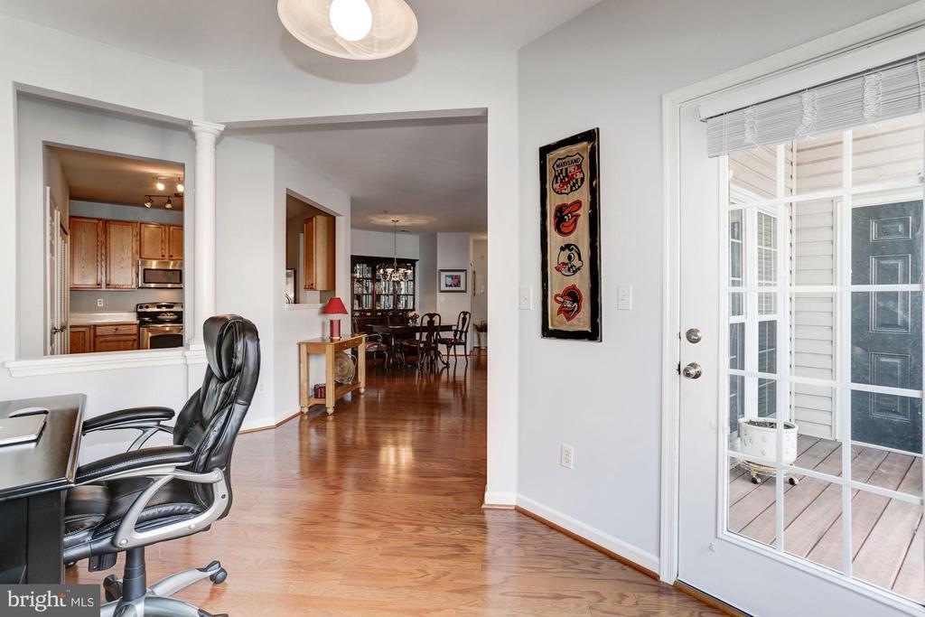 Office Area opens to balcony - 7250 DARBY DOWNS #J, ELKRIDGE