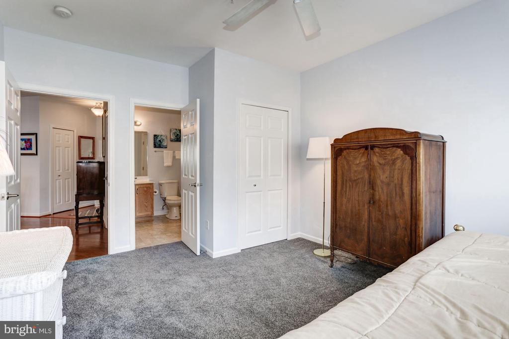 Full Bathroom l Access - 7250 DARBY DOWNS #J, ELKRIDGE