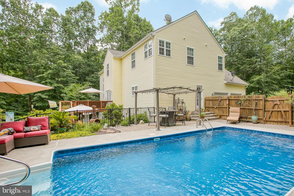 Inground pool - 25 SMITH LAKE DR, STAFFORD