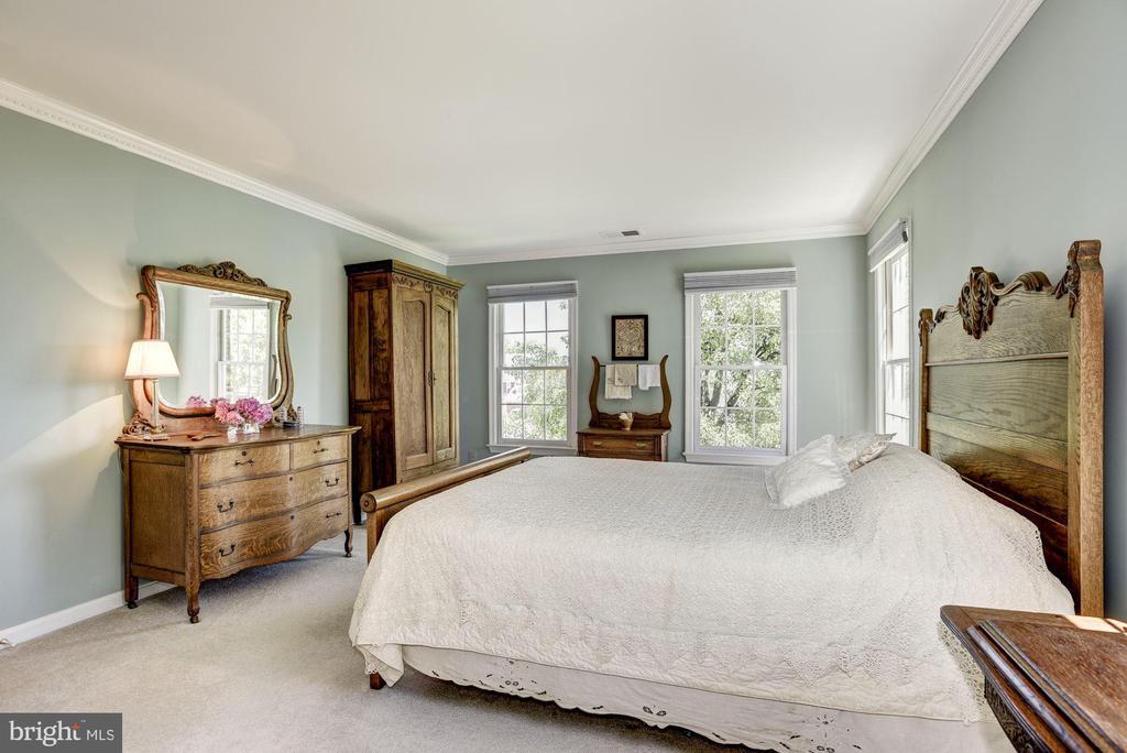 Master Bedroom - 21099 RAINTREE CT, ASHBURN