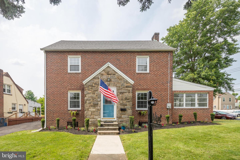 single family homes для того Продажа на Audubon, Нью-Джерси 08106 Соединенные Штаты