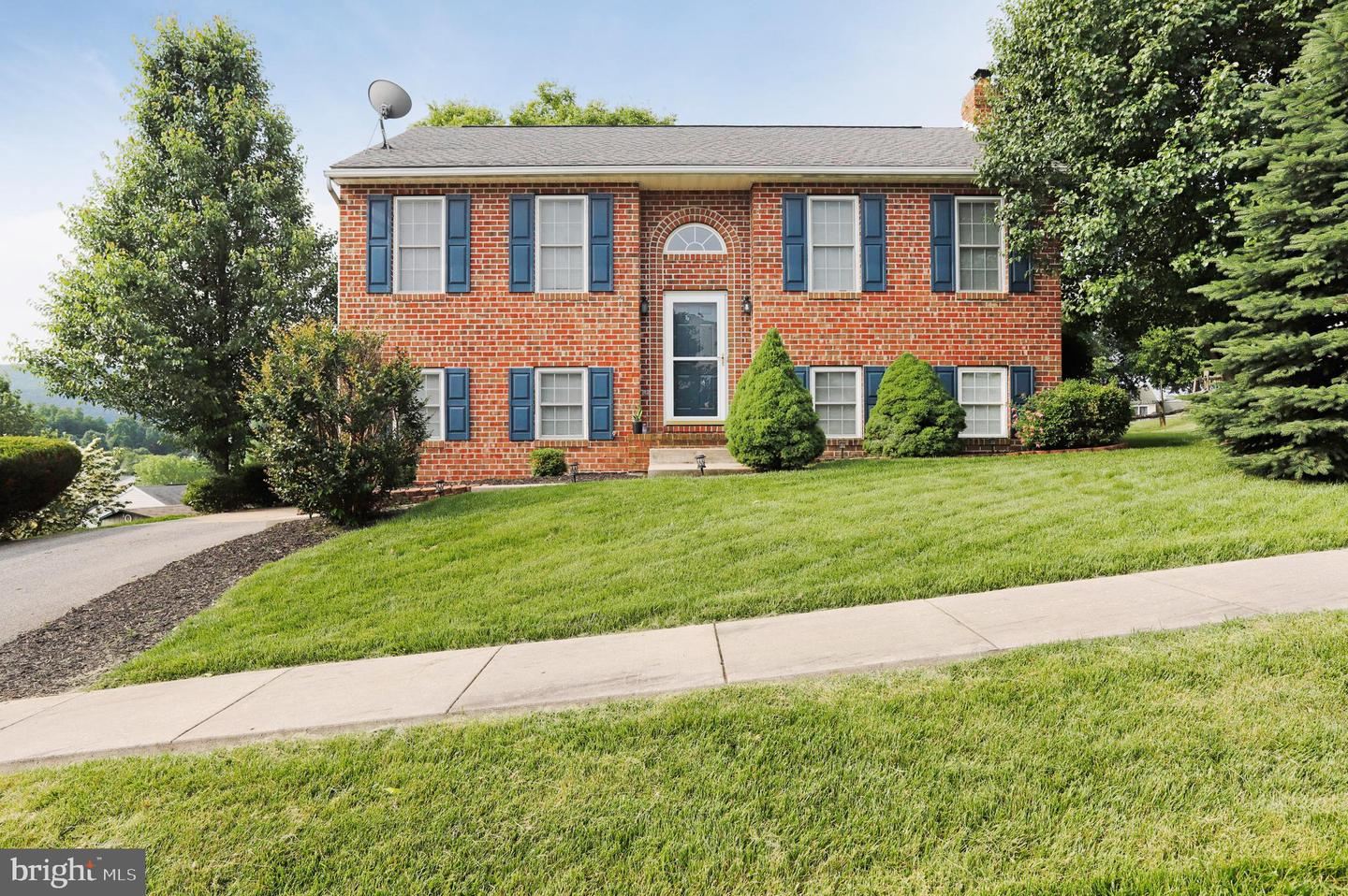 Single Family for Sale at 23 Byron Dr Smithsburg, Maryland 21783 United States