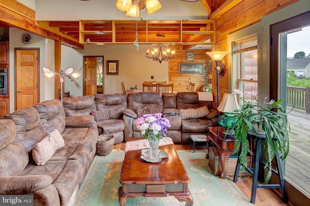 Great room - 34876 PAXSON RD, ROUND HILL