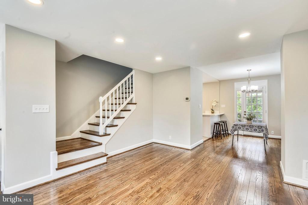 Recessed lighting makes this space POP! - 4833 28TH ST S #A, ARLINGTON