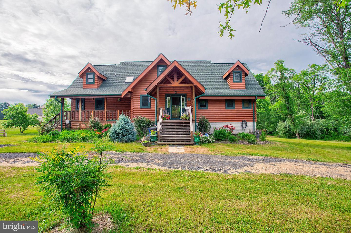 Single Family for Sale at 34876 Paxson Rd Round Hill, Virginia 20141 United States