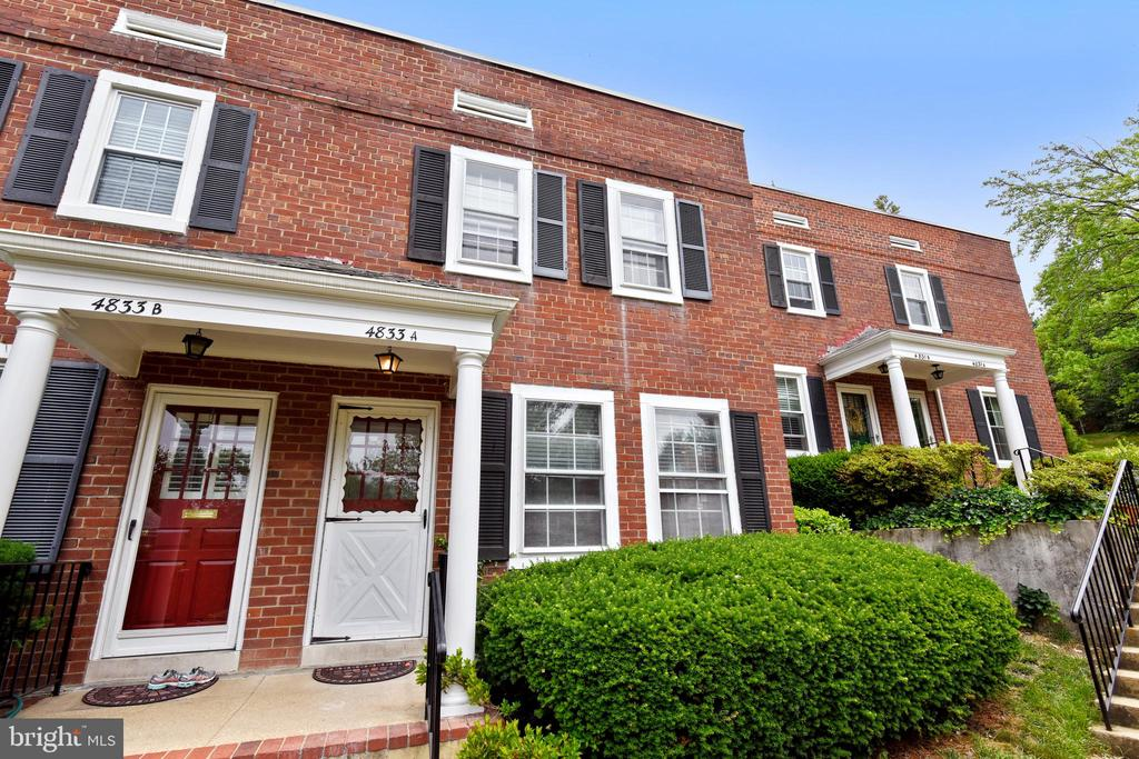 Charming Clarendon ll nestled in the Villages - 4833 28TH ST S #A, ARLINGTON