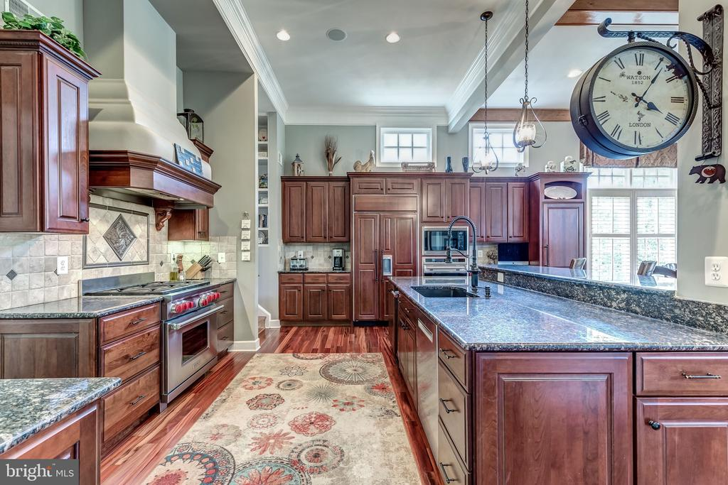 Chef's Kitchen - 18278 RIVIERA WAY, LEESBURG