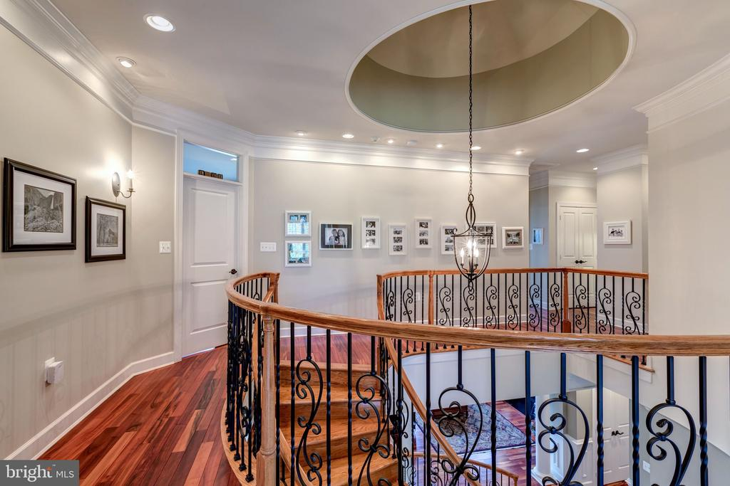 Upper Level Landing - 18278 RIVIERA WAY, LEESBURG