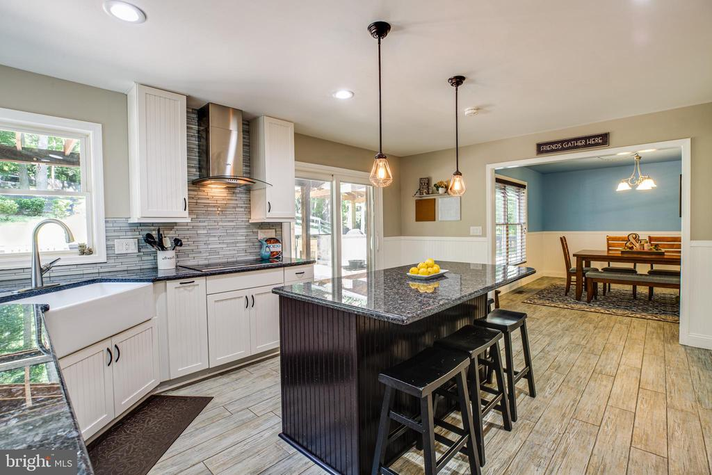 Remodeled Gourmet Kitchen! - 2720 BROOKE RD, STAFFORD